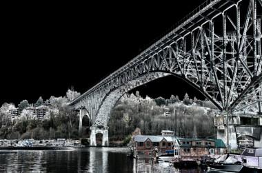03_aurora_bridge